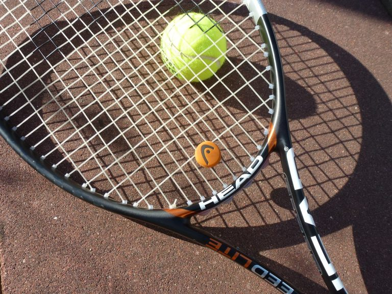 Beginners Guide To Tennis Racket Dampeners Uses And How To Install