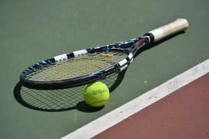 The 11 Best Tennis Racquets For Beginners
